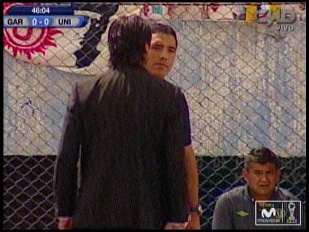 Real Garcilaso vs. Universitario: Ángel Comizzo encaró con dureza al cuarto árbitro (VIDEO)