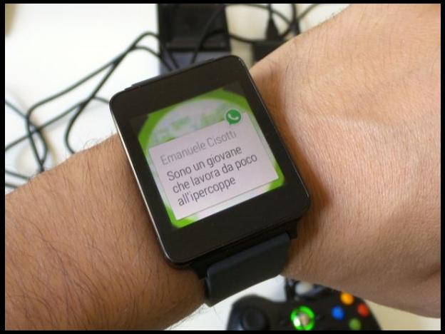 WhatsApp y Facebook Messenger llegan a los smartwatches
