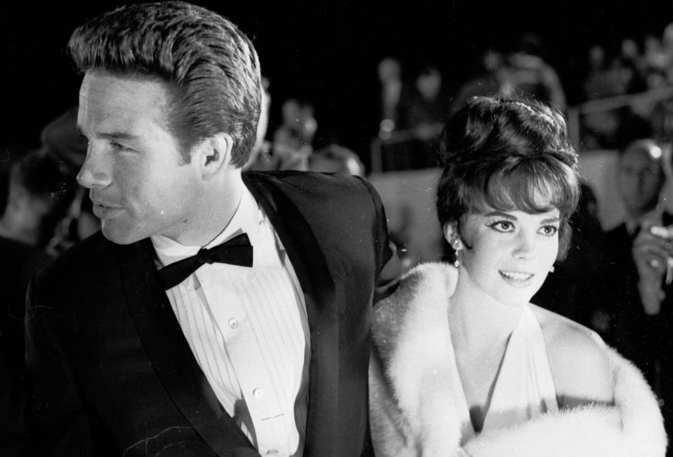 El actor Warren Beatty y la actriz Natalie Wood en la ceremonia de 1962 (Getty Images)
