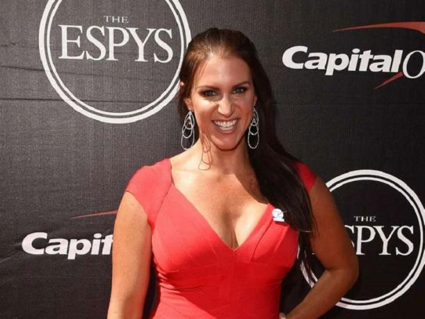 Stunning new Stephanie McMahon