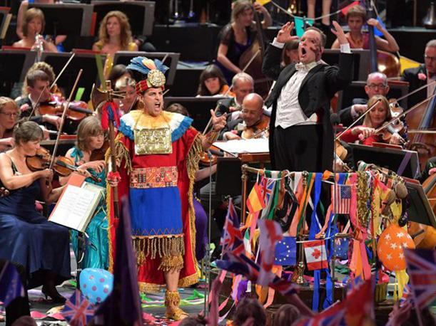 Juan Diego Flores durante el cierre de los Proms 2016: The World's Greatest Classical Music. (Foto: Twitter BBC)
