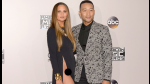 Chrissy Teigen mostró sus partes íntimas durante los American Music Awards - Noticias de nicki minaj