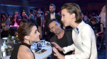 Emma Watson y Millie Bobby Brown se encontraron y Hugh Jackman reaccionó así - Noticias de mtv movie & tv awards