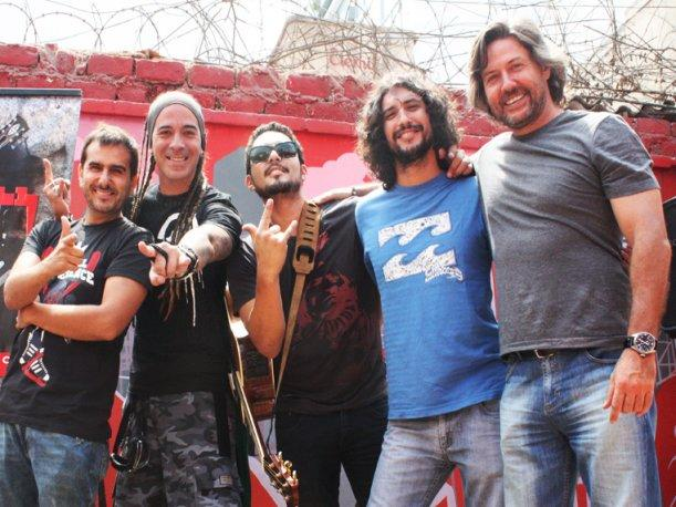Giovanni Ciccia celebra llegada del Rock and Roll All Stars