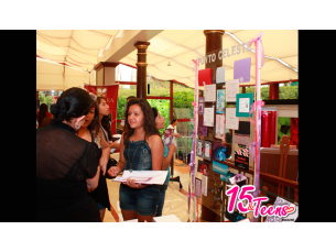 II Showroom 15&Teens - Expositores