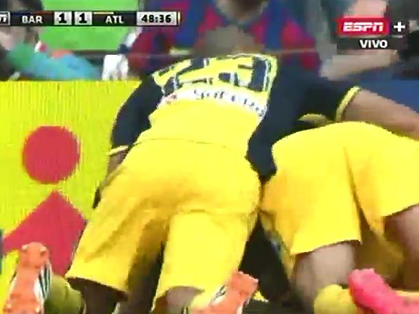 Barcelona vs. Atlético de Madrid Mira el gol de Diego Godín (VIDEO)