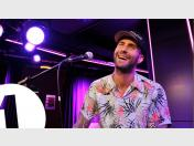 Maroon 5 interpreta Happy de Pharrell Williams (VIDEO)
