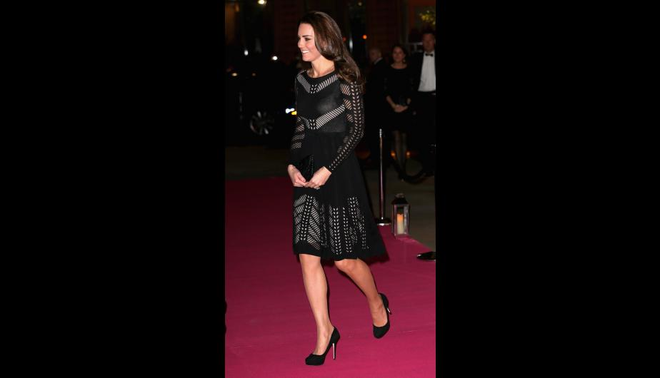 En la última gala a la que asistió en Londres, la duquesa de Cambridge apostó por un little black dress. (Foto: Getty Images)