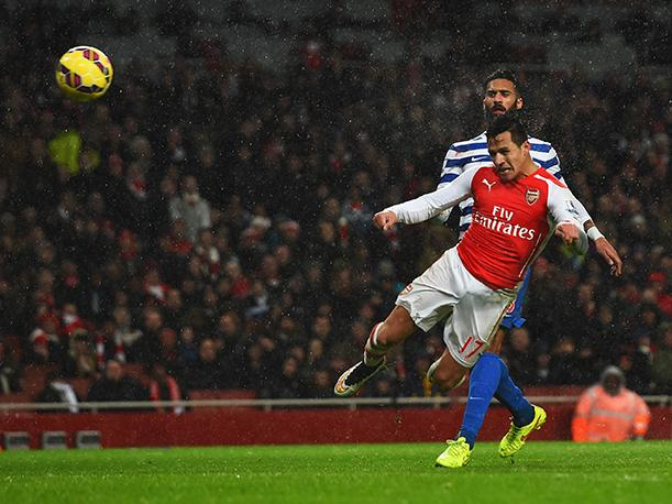 Premier League Arsenal superó al Queens Park Rangers (VIDEO)