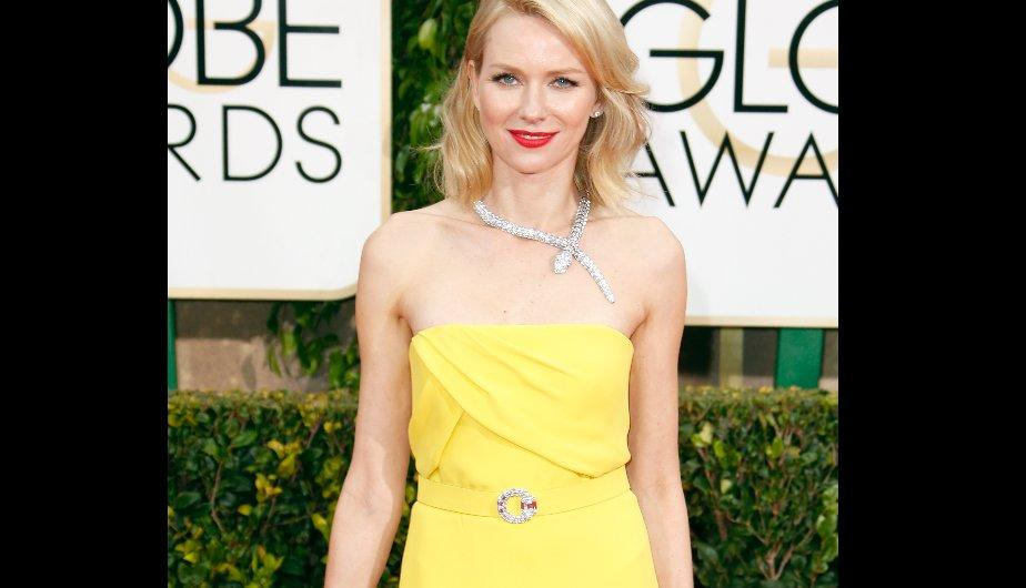 Naomi Watts con un vestido amarillo de Gucci. (Foto: Getty Images)