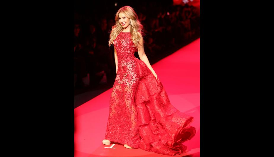 Thalía brilla en el desfile Go Red For Women en Nueva York. (Foto: Getty Images)