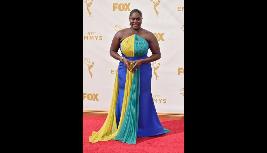 Danielle Brooks usó un colorido vestido Christian Siriano. (Foto: Getty Images)