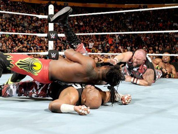 The New Day derrotó a John Cena y Dudley Boyz con trampa (VIDEO)