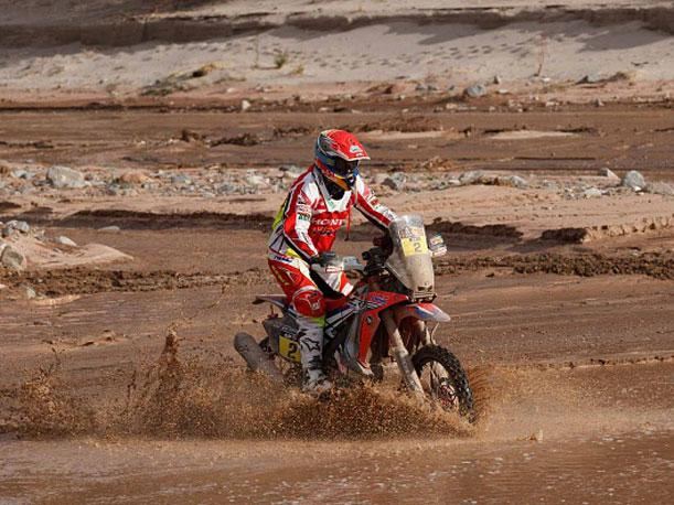 Joan Barreda lidera en motos en el Rally de Marruecos