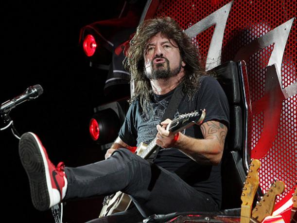 YouTube Foo Fighters desmiente separación con ocurrente video