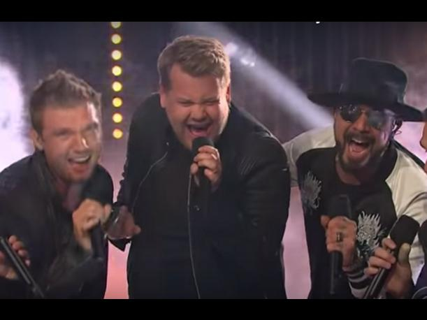 Los Backstreet Boys adoptan a James Corden como nuevo integrante