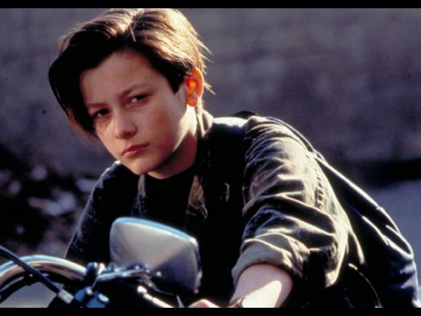 Mira cómo luce el actor que interpretó a John Connor en