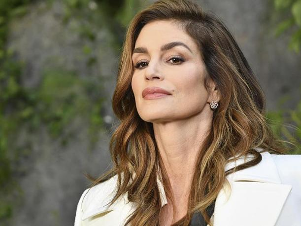 Así luce el ansiado walk in closet de Cindy Crawford en 360º