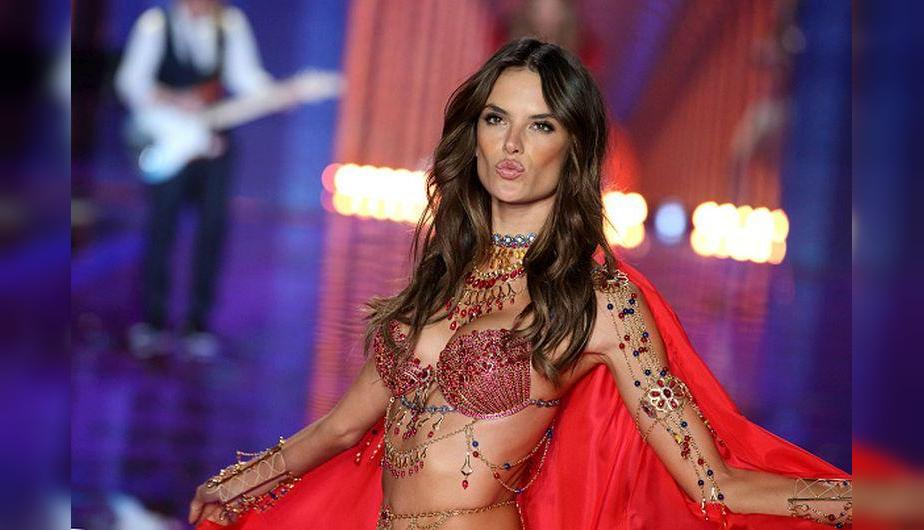 En el 2014, Alessandra Ambrosio llevó el 'Dream Angels Fantasy Bra' de Victoria's Secret. (Foto: Getty Images)