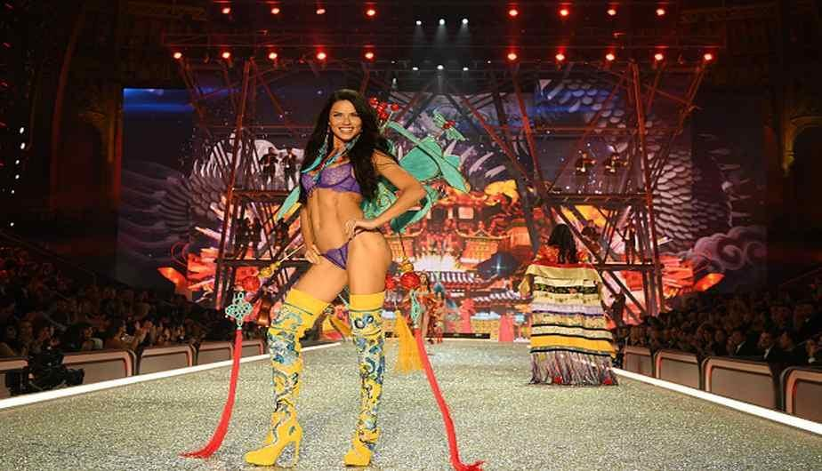 Adriana Lima es una de las top model más cotizadas del mercado.(Foto: Getty Images)