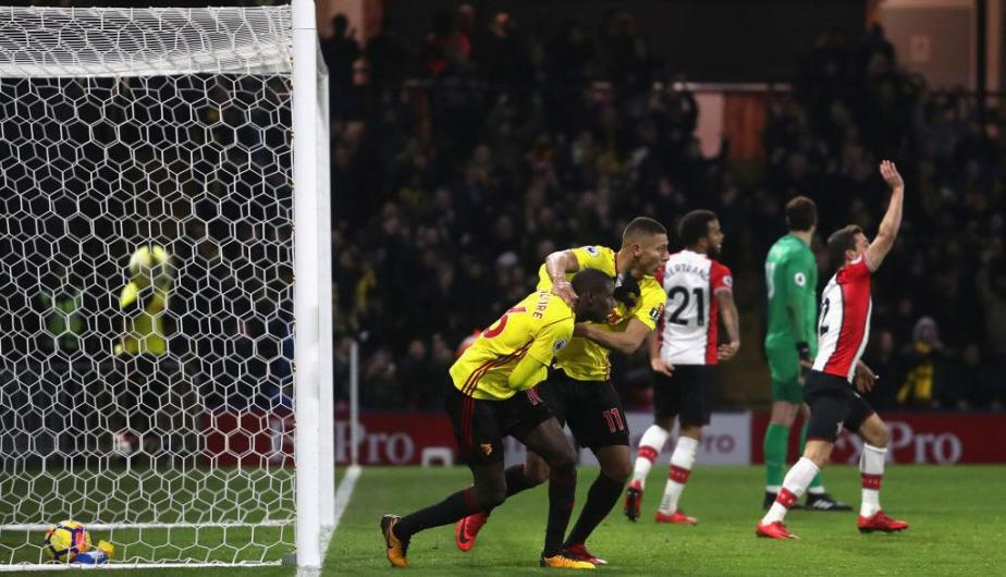 André Carrillo disputó los 90' en el empate del Watford frente al Southampton. (Foto: Getty Images)