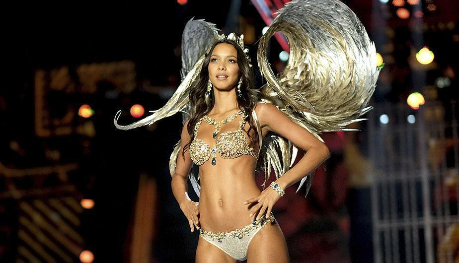 Lais Ribeiro desfilando en el Victoria's Secret Fashion Show 2018. (Foto: GettyImages)