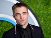 """The Batman"": Robert Pattinson será el caballero de la noche"