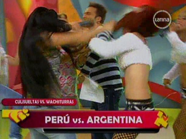 VIDEO: Las Culisueltas y Las Wachiturras se agarran a golpes en TV