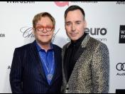 Elton John y David Furnish planean casarse en ceremonia privada