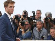 Robert Pattinson luce irreconocible con radical cambio de look