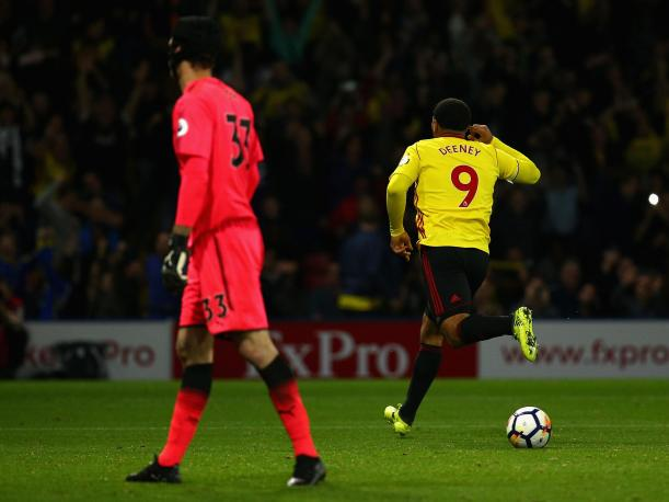 Con André Carrillo, Watford se impuso al Arsenal por la Premier League