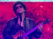 Bruno Mars enamora a seguidores al cantar 'Just the way you are' en español