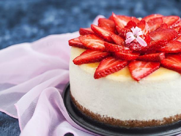 Cheesecake de fresa. (Foto: GettyImages)